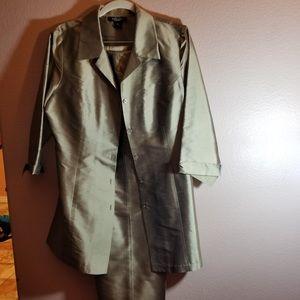 2 pic pant suit